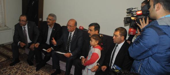 Türkiye Kamu-Sen Türkmen Aileye Sahip Çıktı