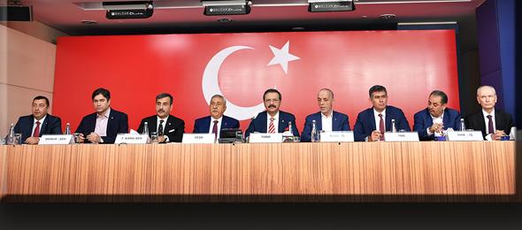 Türkiye Barolar Birliği, Türkiye Kamu Sen, Hak İşçi Sendikaları Konfederasyonu (HAK-İŞ), Memur Sendikaları Konfederasyonu (MEMUR-SEN), Türkiye Emekliler Derneği, Türkiye Esnaf ve Sanatkârlar Konfederasyonu (TESK), Türkiye İşçi Sendikaları Konfederasyonu (TÜRK-İŞ), Türkiye İşveren Sendikaları Konfederasyonu (TİSK), Türkiye Odalar ve Borsalar Birliği (TOBB) ve Türkiye Ziraat Odaları Birliği (TZOB) başkan ve temsilcileri, düzenledikleri basın toplantısı ile Barış Pınarı Harekatı'nı desteklediklerini açıkladılar.