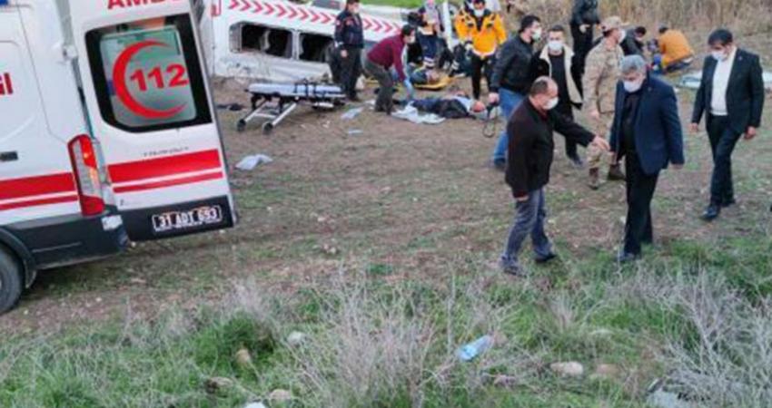Afrin'de Görev Yapan Sağlık Çalışanları Kaza Geçirdi