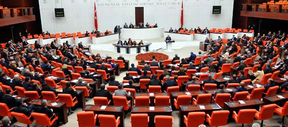 Genel Başkanımız Önder Kahveci'nin görüşmeleri ve girişimleri sonucunda sözleşmeli sağlık çalışanlarının maruz kaldığı ayrımcılık ve ötekileştirme son buldu.