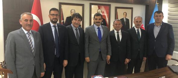 Genel Başkan Yardımcılarımız Ülkü Ocakları Eğitim ve Kültür Vakfı Genel Başkanı ve Türkiye Kamu-Sen üyesi Sayın Dr. Sinan Ateş'i ziyaret ettiler.