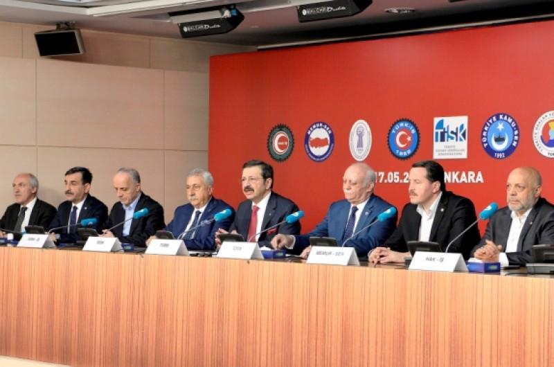 Aralarında konfederasyonumuz Türkiye Kamu-Sen'in de bulunduğu Türkiye- AB Karma İstişare Komitesi Filistin\'de yaşanan olaylara ilişkin bir açıklama yaptı.