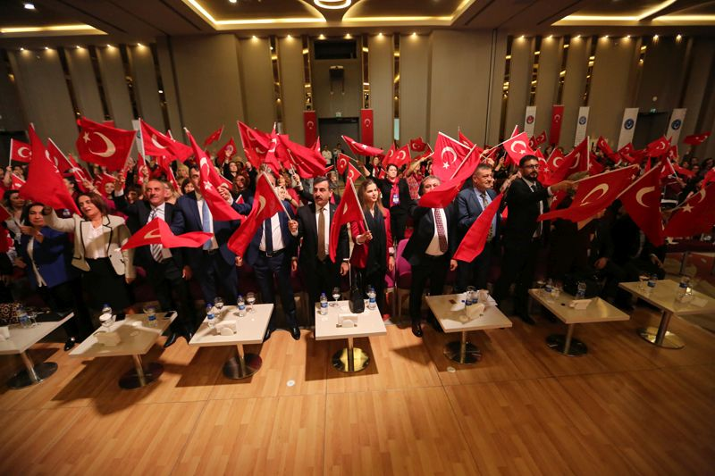 """Sendikamız tarafından düzenlenen ve Türkiye'nin dört bir tarafından kadın temsilcilerimizin katıldığı """"Çalışma Hayatı ve Sendikal Mücadelede Kadın""""  temalı II. Kadın Çalıştayımız 8-10 Mart tarihlerinde Antalya'da gerçekleştirildi."""