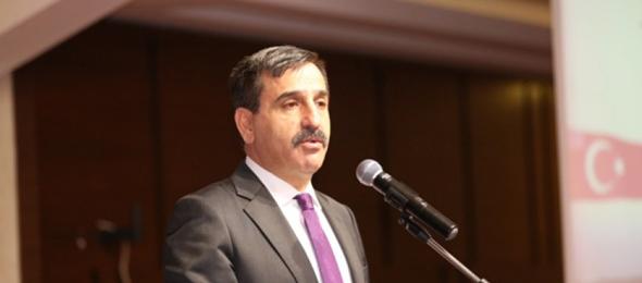 Türkiye Kamu-Sen Genel Başkanı Önder Kahveci, sözleşmeli istihdama yönelik değerlendirmelerde bulundu.