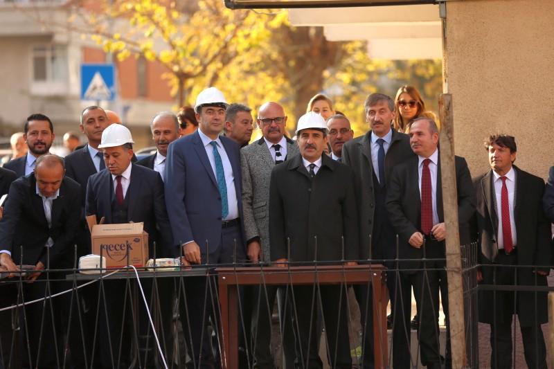 Ankara'da hizmet verecek olan 80 yataklı misafirhanemizin bugün temel atma töreni gerçekleştirdik.