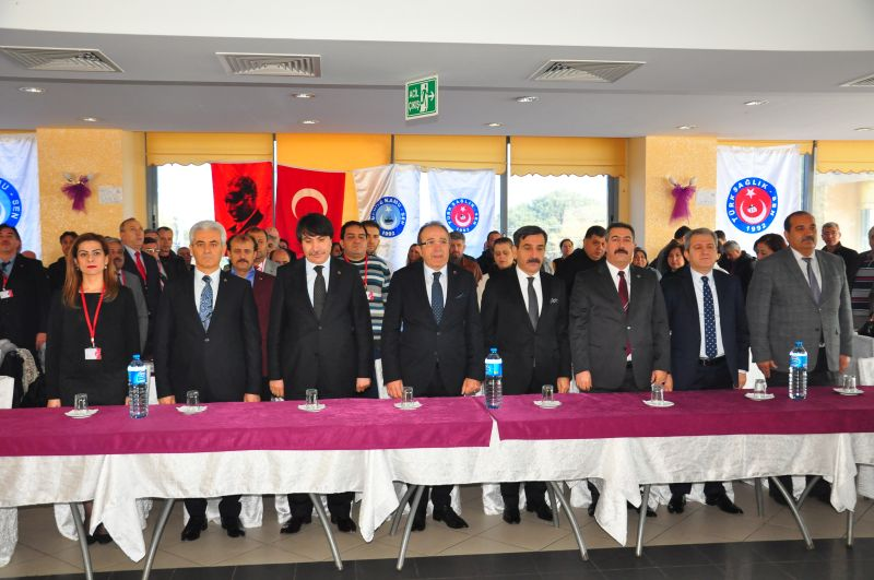 Genel Başkanımız Önder Kahveci ve Genel Başkan Yardımcılarımız Mustafa Genç, Hasan Şirin, Yusuf Alan ve İsmail Türk teşkilat çalışmaları kapsamında Manisa'yı ziyaret ettiler. Genel Başkan Yardımcılarımız yapılan ziyarette Manisa Şube Başkanımız Rıtvan Mutlu ve Şube Yöneticilerimizle birlikte kurumlarda çalışanlar ve idareciler ile görüştüler.