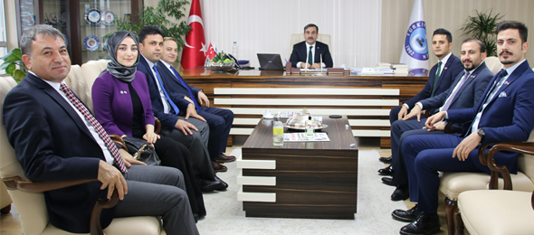 Acil Tıp Teknisyenleri ve Teknikerleri (Paramedik) Derneği Genel Başkanı Abdullah Baltacı  ve Genel Başkan Yardımcıları Genel Başkanımız Önder Kahveci'yi ziyaret ettiler.