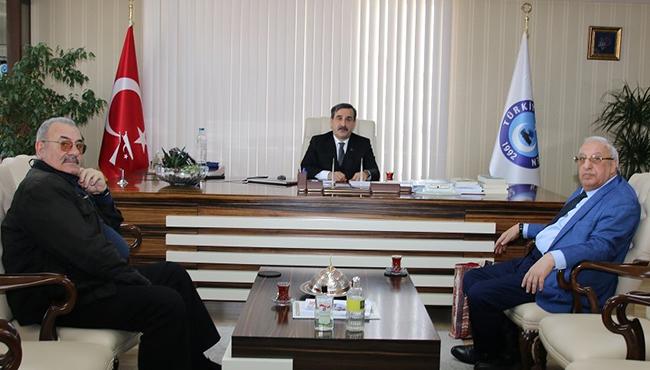 Azerbaycan Sağlık İşçileri Sendikası Genel Başkanı Emin Efendiyav, Genel Başkanımız Önder Kahveci'yi ziyaret etti.
