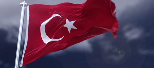 Türkiye Kamu-Sen Genel Başkanı Önder Kahveci, Barış Pınarı Harekatı'na desteğimizi göstermek, Mehmetçiklerimizin gücüne güç katmak için tüm vatandaşlarımızı evlerine ve iş yerlerine Ay Yıldızlı Türk Bayrağımızı asmaya davet etti.