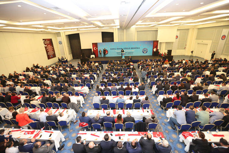 """""""Haklı Dava, Güçlü Sendika"""" sloganı ile Şube Başkanları, Şube Başkan Yardımcıları Eğitim ve İstişare toplantımız Antalya'da gerçekleştiriliyor."""