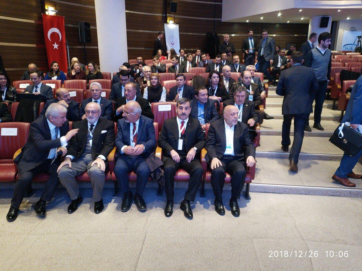 Türkiye Kamu-Sen Genel Başkanı Önder Kahveci Sosyal Güvenlik Kurumu'nun 5. Olağan Genel Kuruluna katıldı. Genel Kurulda Türkiye Kamu-Sen Genel Başkan Yardımcımız ve Türk Büro-Sen Genel Başkanı Osman Eksert, Genel Merkez Yöneticilerimiz ve Şube Başkanlarımızda hazır bulundu.