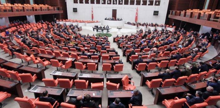 Türkiye Kamu-Sen Genel Başkanı Önder Kahveci, yeni yasama yılının açılışı dolayısıyla yayınladığı mesajında, memur ve emeklilerin beklentilerini dile getirdi.