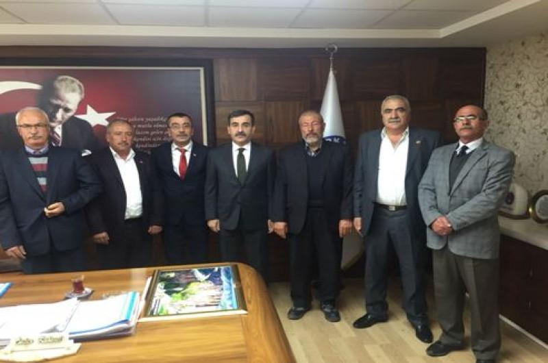 Ihlara Belediye Başkanı İsmail Yılmaz ve beraberindeki heyet Türkiye Kamu-Sen Genel Merkezini ziyaret ederek, Ihlara'nın Kasaba statüsünden İlçe statüsüne geçirilmesi için destek istedi.