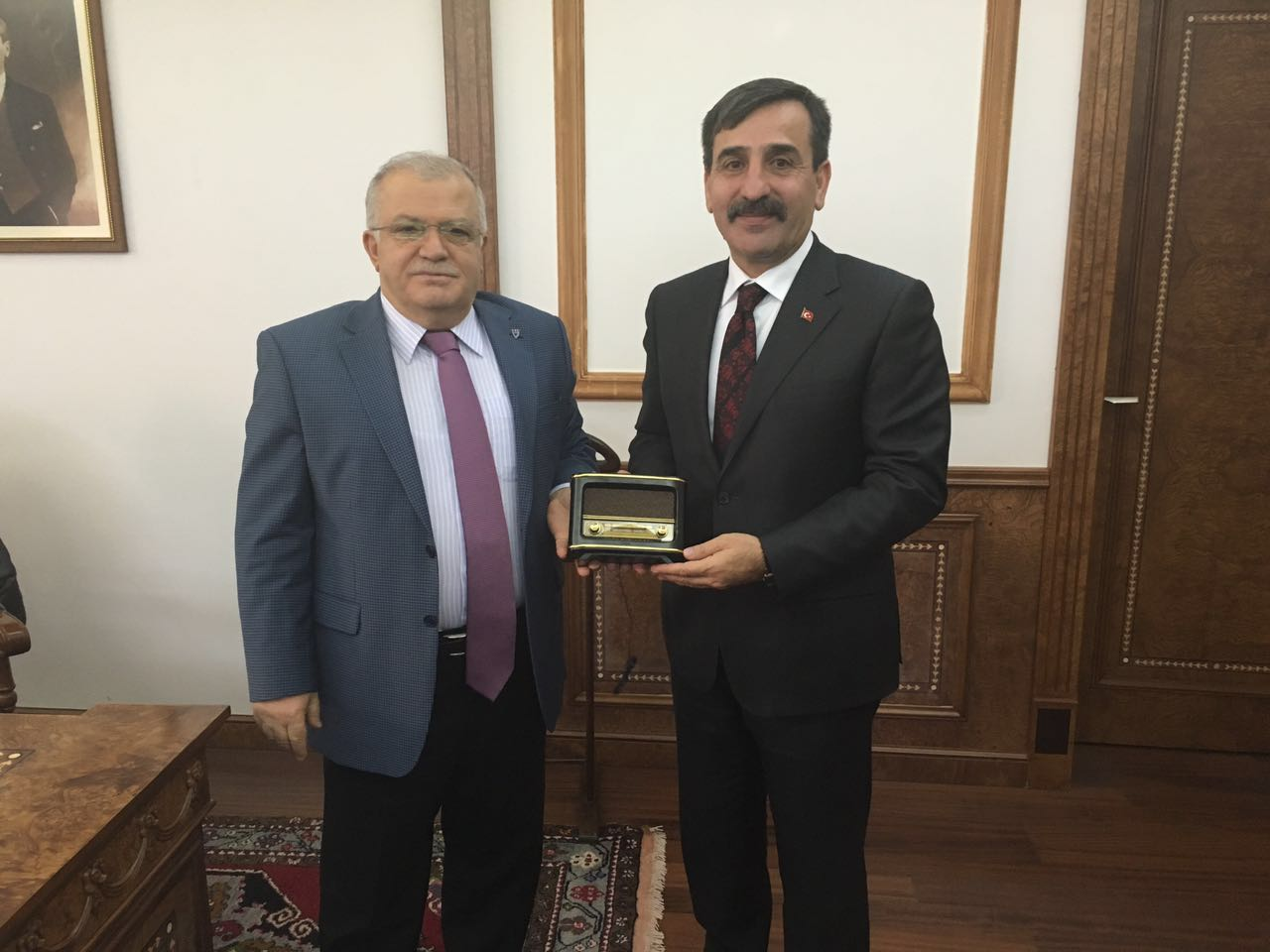 Sendikal Çalışmalar kapsamında Genel Başkanımız Önder Kahveci ve Genel Başkan Yardımcılarımız Abdurrahman Uysal ve Mehmet Ali Çakal Kırşehir'i ziyaret ettiler.