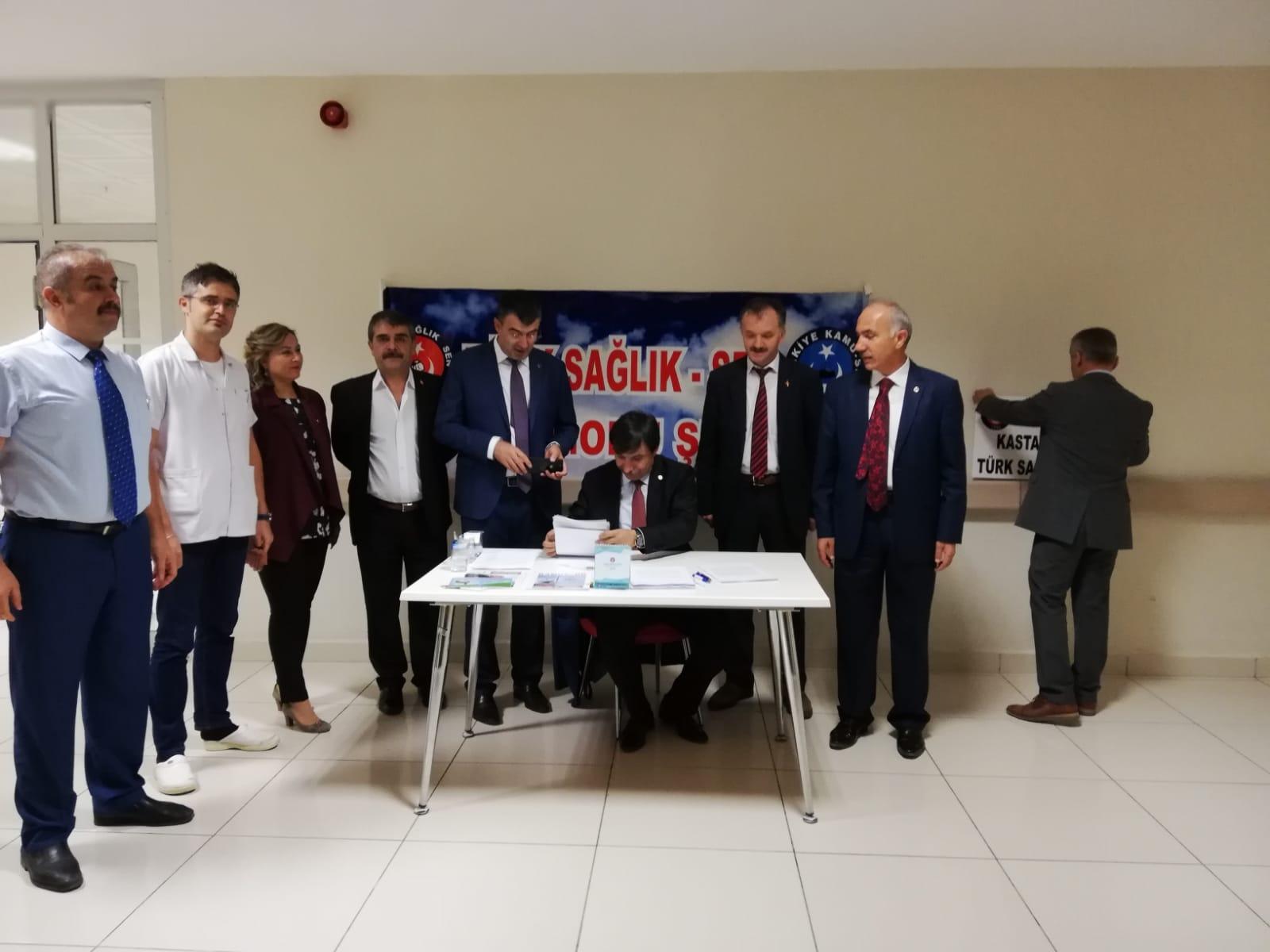 Genel Başkan Yardımcılarımız İsmail Türk ve Mustafa Köse sendikal çalışmalar kapsamında ziyaret ettikleri Kastamonu'da Yıpranma payı dilekçe kampanyamızı da fiilen başlattılar.