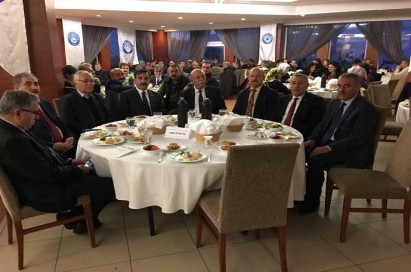 Türkiye Kamu-Sen'in illerimizde sürdüğü istişare toplantıları Kars ve Erzurum ile devam etti.