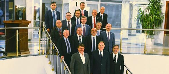 Türkiye Kamu-Sen Genel Başkanı Önder Kahveci ve Sendikalarımızın Genel Başkanları, Kamu Denetçiliği Kurumu Kamu Başdenetçisi Ombudsman Şeref Malkoç'un daveti üzerine bir araya geldi.
