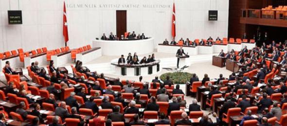 Türkiye Kamu-Sen Genel Başkanı Önder Kahveci,  Başkanlık ve  27. dönem milletvekilliği seçimlerinin sonuçlarına ilişkin açıklamada bulundu.