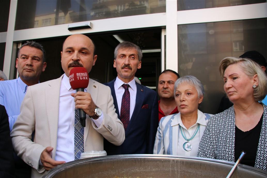 Türkiye Kamu-Sen Kadın Komisyonları geleneksel Aşure Günü etkinliği Genel Merkez binamız önünde gerçekleştirildi.