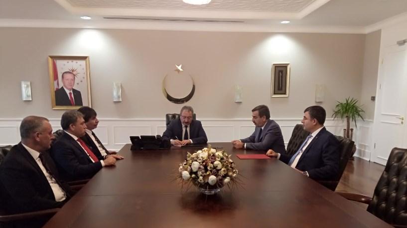 Genel Başkanımız Önder Kahveci, Genel Başkan Yardımcılarımız İsmail Türk, Ümit Turhan, Kenan Karaçam ve Mustafa Köse ile birlikte Sağlık Bakanlığı Bakan Yardımcısı Prof. Dr. Muhammet Güven'i ziyaret etti.