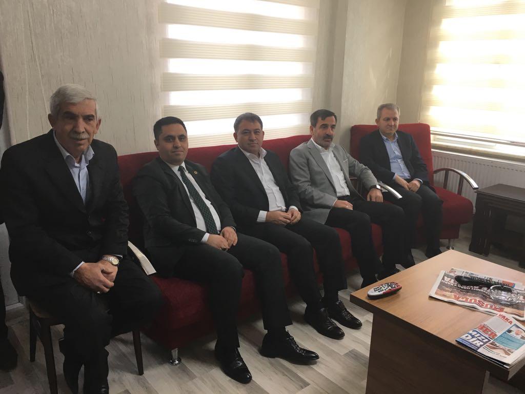 Genel Başkanımız Önder Kahveci, Genel Başkan Yardımcılarımız Ümit Turhan ve Yusuf Alan ile birlikte  Kırıkkale Şubemizin yeni hizmet binasının açılışına katıldı.