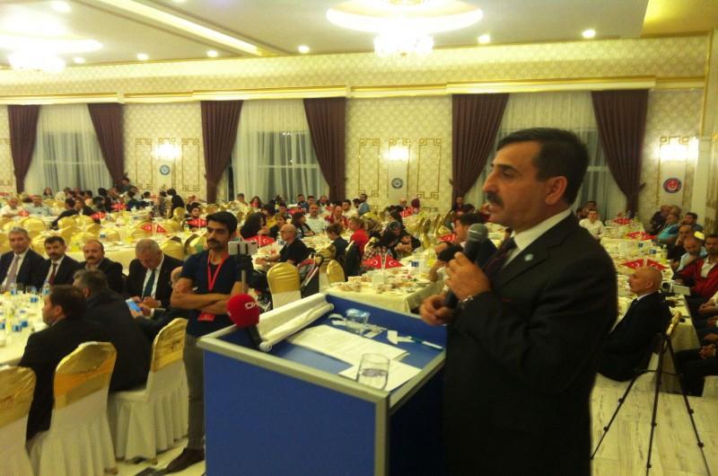 Türkiye Kamu-Sen Tokat  teşkilatı, Genel Başkan Önder Kahveci  ve sendikalarımızın genel başkanlarıyla  bir araya geldi. Yoğun katılımın olduğu buluşmaya kamu çalışanları ve davetlilerin coşkusu damga vurdu.