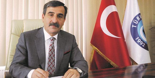 Türkiye Kamu-Sen Genel Başkanı Önder Kahveci, sözleşmeli öğretmenler ve din görevlilerinin zorunlu çalışma sürelerinin 4+2 yıldan 3+1 yıla indirilmesini içeren kanun teklifini değerlendirdi.