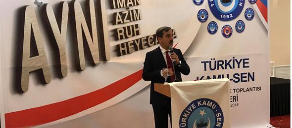 """Türkiye Kamu-Sen teşkilatı """"Aynı iman, azim, ruh, heyecan"""" sloganıyla Kayseri'de düzenlenen istişare toplantısında bir araya geldi. Genel Başkan Önder Kahveci, Sendikalarımızın Genel Başkanları, genel merkez yöneticileri ve Kayseri il temsilciği ile şube başkanlarının katılımıyla gerçekleşen toplantının açılışını Genel Başkan Önder Kahveci yaptı."""