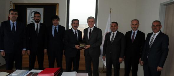 Genel Başkanımız Önder Kahveci, Genel Başkan Yardımcılarımız ile birlikte Sağlık Bakanlığı Sağlığın Geliştirilmesi Genel Müdürü Prof. Dr. Mustafa Taşdemir'i ziyaret etti.