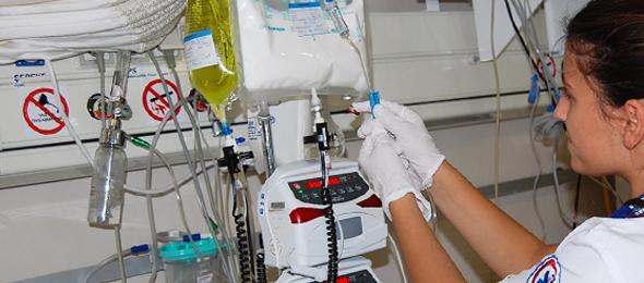 Acil Tıp Teknisyenleri ve Teknikerlerinin Sorunları Çözülmelidir.