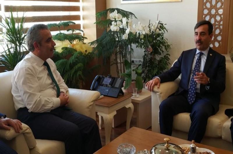 Türkiye Kamu-Sen Genel Başkanı Önder Kahveci ve bağlı sendikalarımızın Genel Başkanları, Devlet Personel Başkanlığı görevine asaleten atanan Enes Polat'a hayırlı olsun ziyaretinde bulundu.