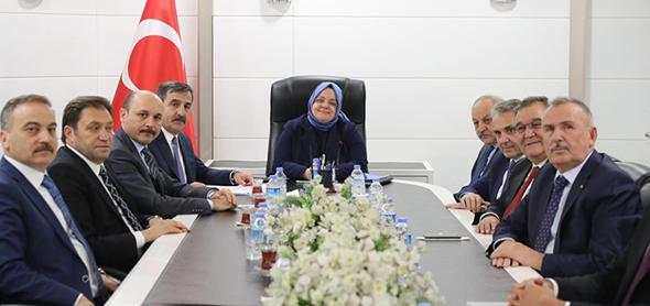 Aile, Çalışma ve Sosyal Hizmetler Bakanı Zehra Zümrüt Selçuk'u Ziyaret Ettik