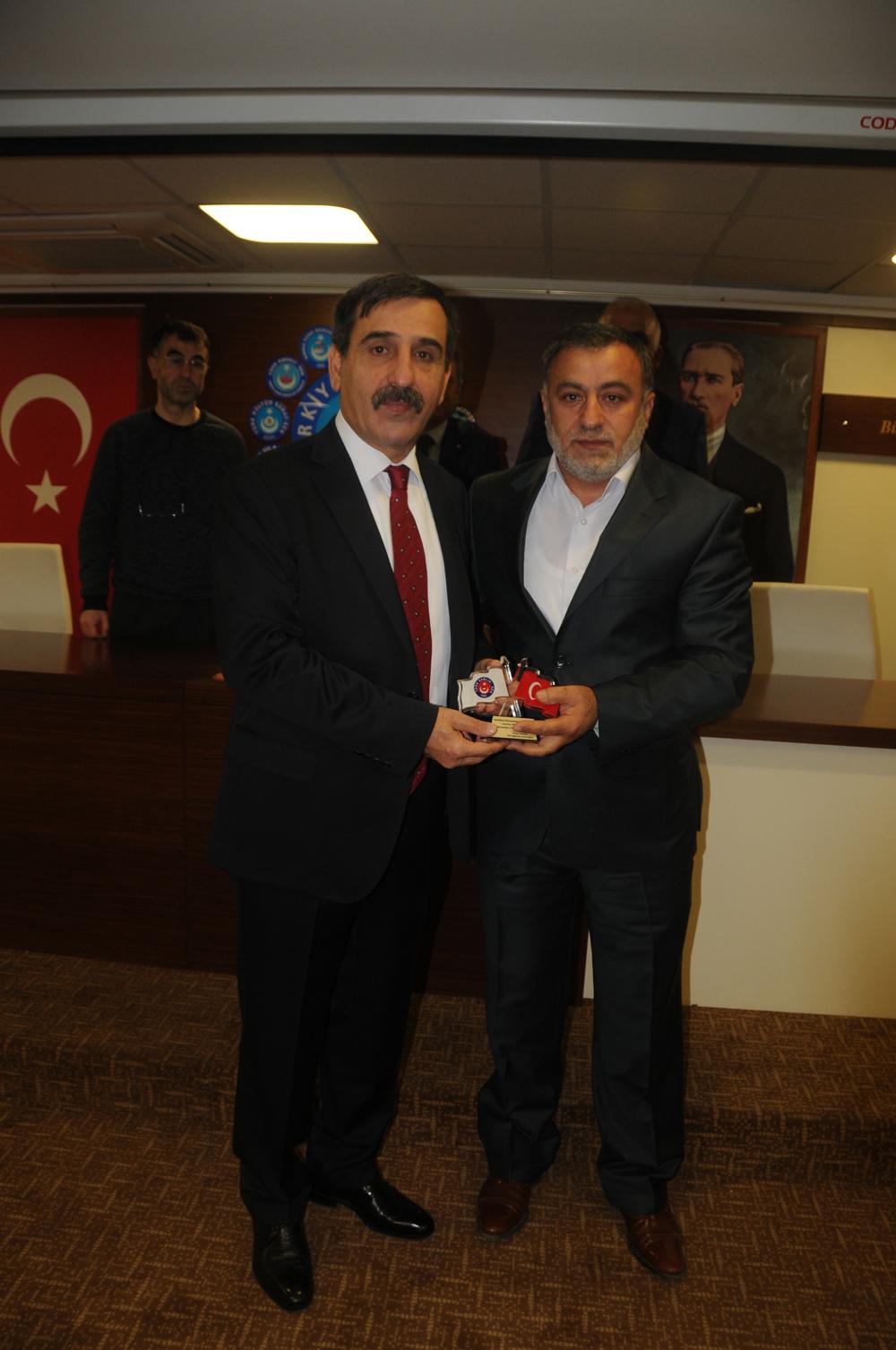 Genel Başkanımız Önder Kahveci,  Genel Başkan Yardımcılarımız ile birlikte Ankara 4, Ankara 3, Bakanlık ve Ankara Üniversite şubelerimizin genel kurullarına katıldı. Genel Başkanımız genel kurullarda birer konuşma yaparak teşkilatımıza seslendi.