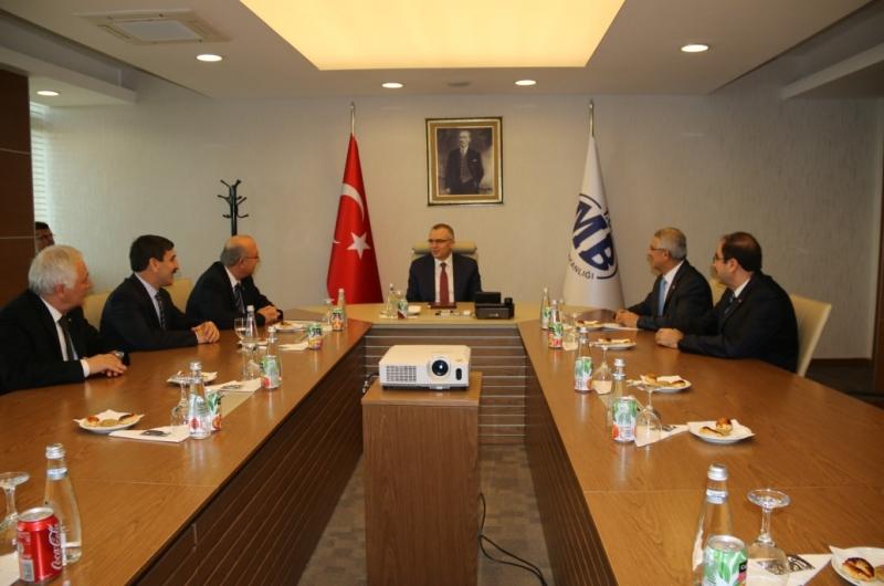 Türkiye Kamu-Sen Genel Başkanı İsmail Koncuk ve Yönetim Kurulu üyelerimiz Maliye Bakanı Naci Ağbal'a hayırlı olsun ziyaretinde bulundu.