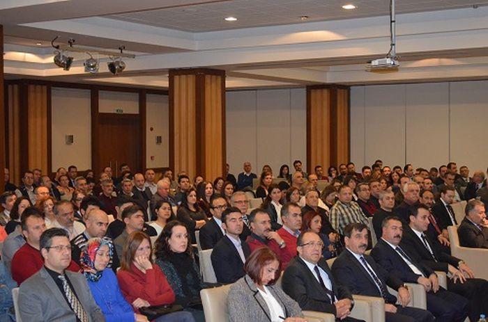 İzmir şubelerimizi tarafından gerçekleştirilen temsilci toplantısına Genel Başkanımız Önder Kahveci, Genel Başkan Yardımcılarımız Mustafa Genç, Abdurrahman Uysal katılarak İzmir'de görev yapan temsilcilerimizle bir araya geldiler. Toplantıda ayrıca Aydın Şube Başkanımız Ahmet Bozkurt ve Aydın Şube yöneticileri de yer aldı.