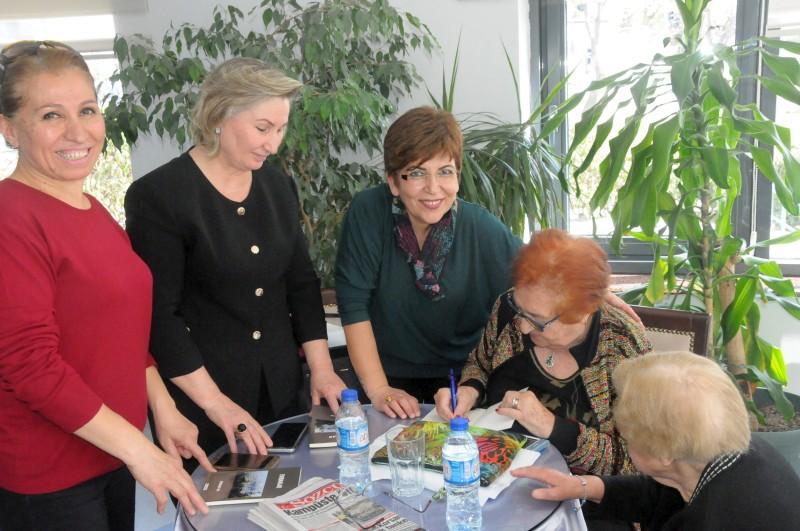 """18–24 Mart tarihleri arası """"Yaşlılar Haftası"""" nedeniyle Türk Sağlık-Sen kadın kolları Ankara 75. Yıl Huzurevini ziyaret ederek, yaşlılar haftasını kutladı."""