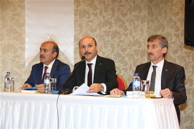 Türkiye Kamu-Sen Yüksek İstişare Kurulu başkent Ankara'da Genel Başkanımız Önder Kahveci, bağlı sendikalarımızın Genel Başkanları, Genel Merkez Yöneticilerimiz ve İl Temsilcilerimizin katılımıyla gerçekleştirildi.