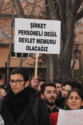 Atanamayan sağlık çalışanları 1 ay sonra yine Ankara'da bir eylem gerçekleştirdi. Eyleme Genel Başkan Yardımcımız Abdurrahman Uysal'da katıldı.