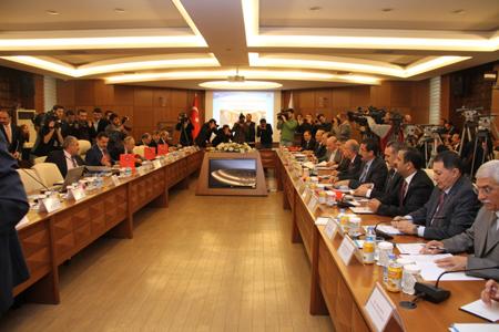 Kamu Personeli Danışma Kurulu 2014 yılı Kasım ayı toplantısı Çalışma ve Sosyal Güvenlik Bakanlığı'nda gerçekleştirildi.