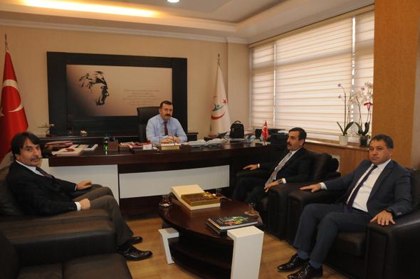 Genel Başkanımız Önder Kahveci Genel başkan yardımcılarımız İsmail Türk ve Ümit Turhan ile birlikte 112 Acil Sağlık Hizmetleri Genel Müdürü Dr. Hasan Aydınlık'ı ziyaret etti.