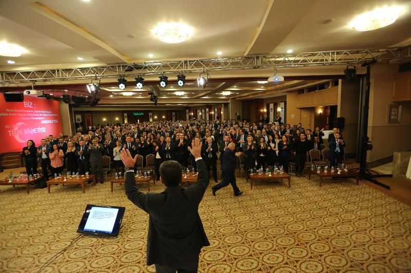 Türk Sağlık-Sen Genişletilmiş Eğitim ve İstişare Toplantımız Antalya'da başladı. Şube Başkanlarımız, şube başkan yardımcılarımız ve kadın komisyonu başkanlarımızın yer aldığı toplantıya KKTC Türk Memur-Sen Genel Başkanı Kağan Mındıkoğlu ve yöneticileride katıldı. Açılışını Genel Başkan Yardımcımız İsmail Türk'ün yaptığı toplantıda ilk olarak saygı duruşu ve İstiklal Marşı'nın ardından tüm şehitlerimizin, ecdadımız ve Türk Sağlık-Sen'in ebediyete intikal etmiş tüm mensupları için  Kuran-Kerim  okunarak dua edildi.