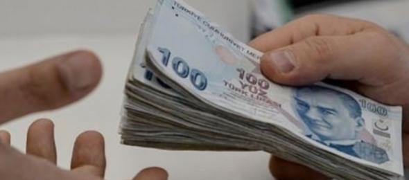 Türkiye Kamu-sen Ar-Ge merkezinin yaptığı araştırma son 10 yılda harcamalardaki artışın geldiği akıl almaz noktayı gözler önüne sererken memur maaşlarında dolar bazında erimenin %31.5, çeyrek altın karşısında ise %36.9'a ulaştığını gözler önüne serdi.