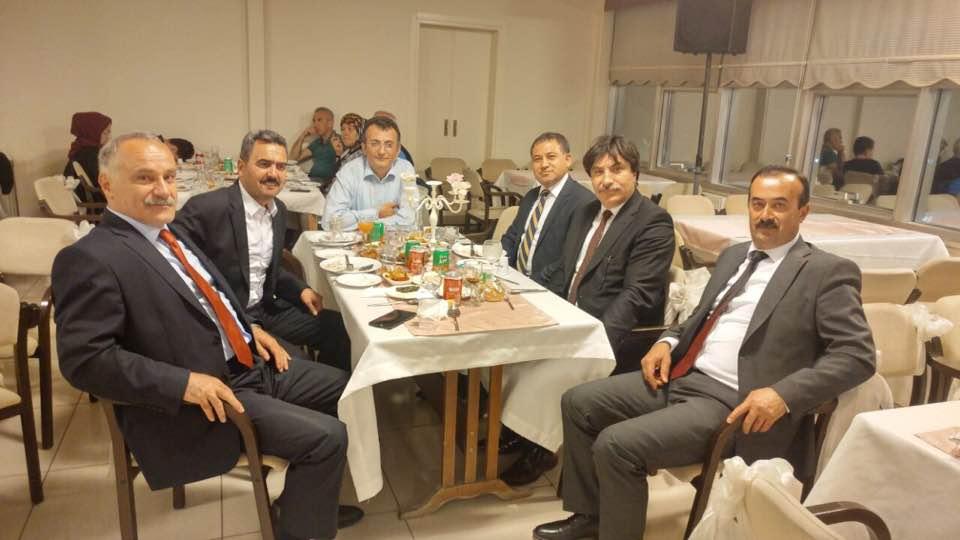 Genel Başkan Yardımcılarımız İsmail Türk ve Ümit Turhan Düzce şubemizin gerçekleştirdiği birlik ve beraberlik gecesine katılarak teşkilat mensuplarımız ve üyelerimizle bir araya geldiler.