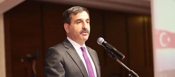 Boğaziçi Üniversitesi'nde yapılan panelde konuşan Andreas Tzortis isimli şahıs, ülkemizin kurucusu Gazi Mustafa Kemal Atatürk'e hakaret etmiştir.