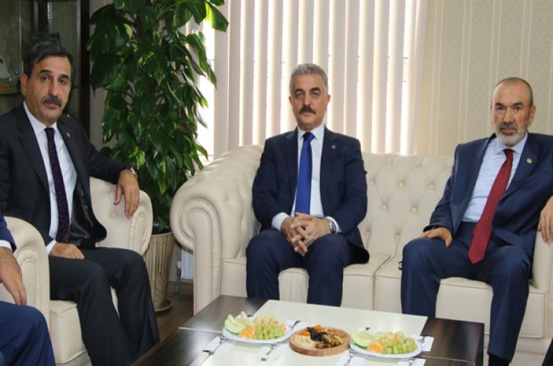MHP Genel Başkan Yardımcısı Yaşar Yıldırım ve MHP Genel Sekreteri İsmet Büyükataman konfederasyonumuzu ziyaret etti.