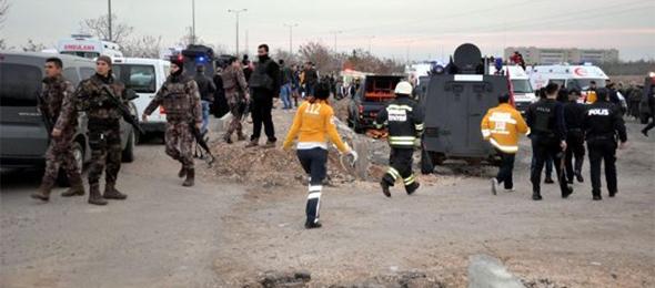 Diyarbakır'da 4 Polisimiz Şehit Oldu