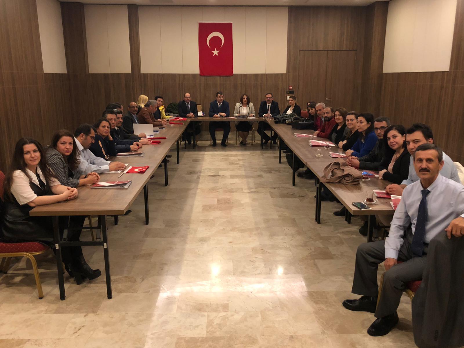 Genel Başkanımız Önder Kahveci ve Genel Başkan Yardımcılarımız İsmail Türk, Kenan Karaçam, Mustafa Köse ve Mustafa Yiğit İzmir Şubelerimizin birlikte gerçekleştirdiği işyeri temsilcileri toplantısına katıldılar.