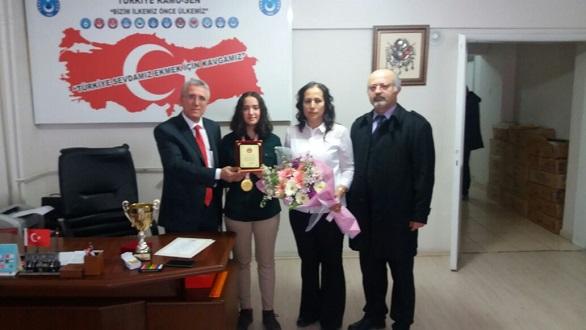 Türk Sağlık-Sen'den Şampiyona Plaket