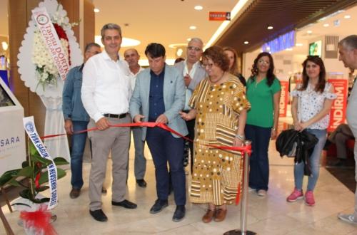 İlimiz Aile Hekimi ve üyemiz Dr. Ayhan PINARLI'nında içinde bulunduğu 41 Hekim 41 Kere Maşallah Fotoğraf Sergisine katılan Şube Başkanımız Turgay ÇETİN, serginin açılışını yapmıştır.