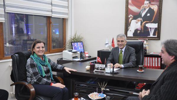 CHP İzmit Belediye Başkan Adayı Fatma Kaplan Hürriyet heyeti ile birlikte Türkiye Kamu Sen Kocaeli İl Temsilciliğini ziyaret etti.